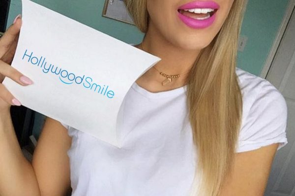 Whiten your teeth with Hollywood Smile-Henstra Design